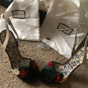 b75d66938 Gucci Shoes | 100 Authentic Leather Sandal With Web Bow | Poshmark